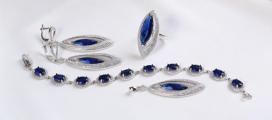Komplet srebrnej biżuterii z szafirem