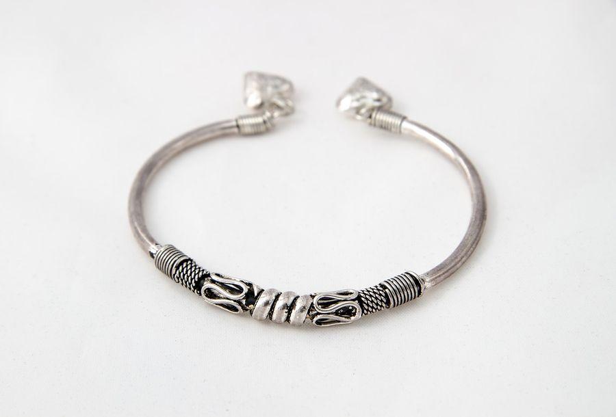 Srebrna bransoletka dla kobiety
